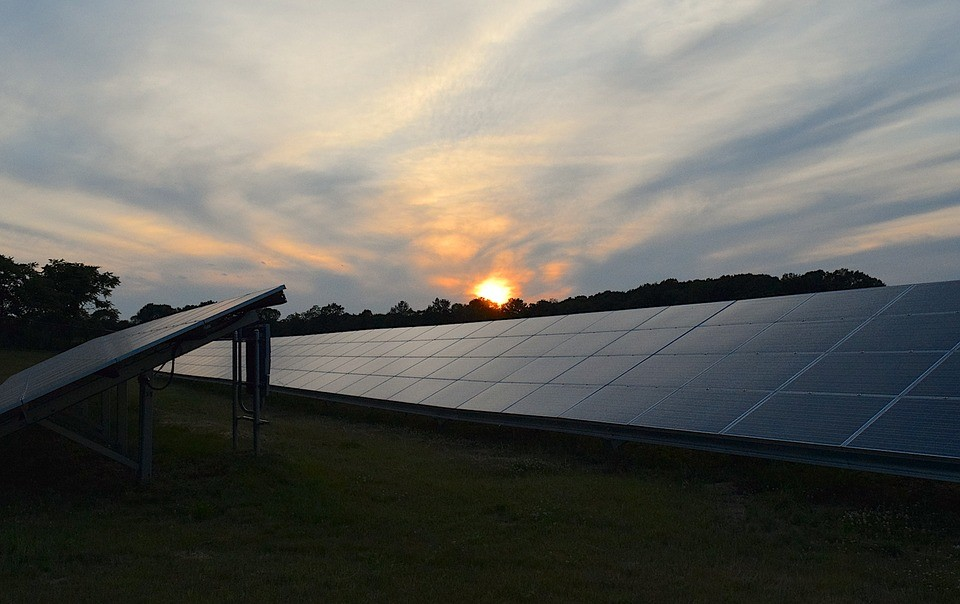 solar panels 2458717 960 720