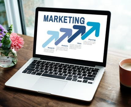How is Experiential Marketing Working with Social Media to Give Lucrative Returns to Business Owners?