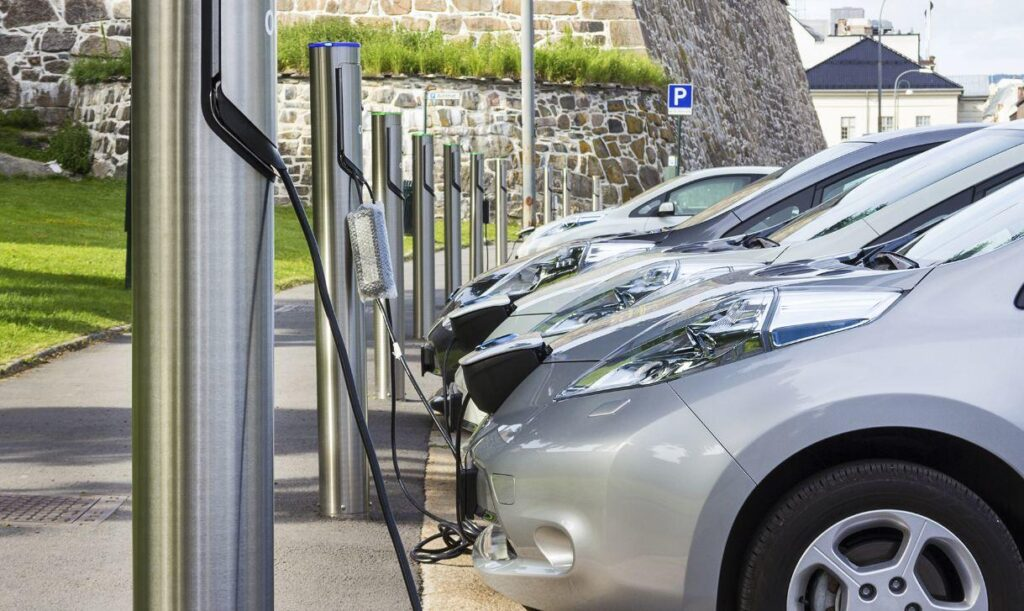 Why EV Charging Points Are a Lucrative Investment Opportunity